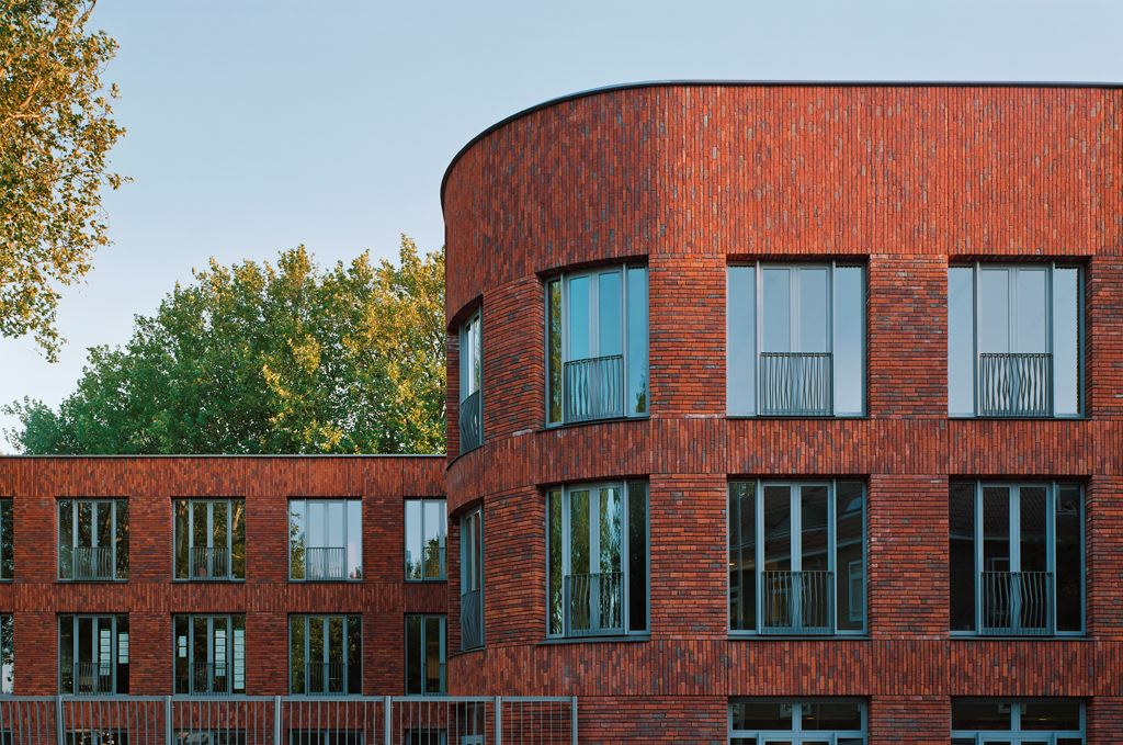 Bureau De Zwarte Hond : Brede school in rotterdam door de zwarte hond de architect
