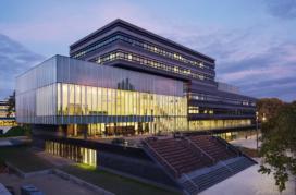Center Court – Ector Hoogstad Architecten