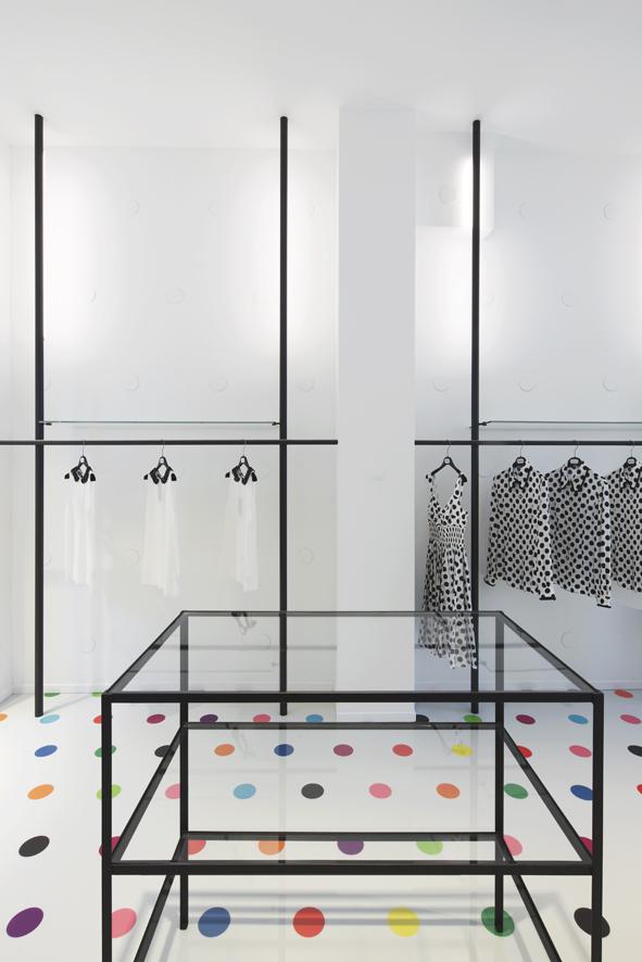 Interieur kledingwinkel in Maastricht door Maurice Mentjens - De ...