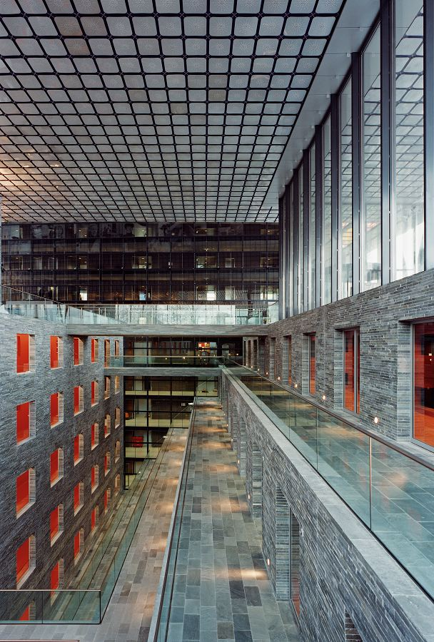 Nederlands Instituut voor Beeld en Geluid in Hilversum door ...