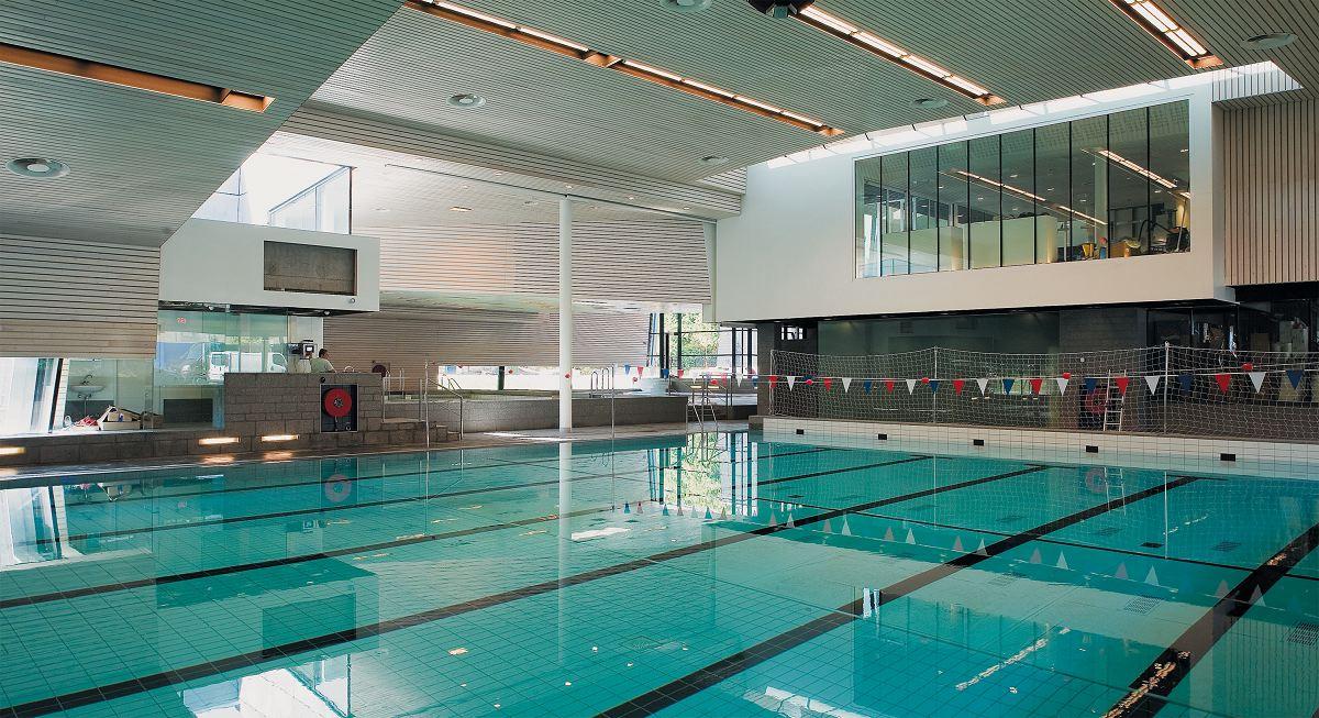 Zwembad in amsterdam door venhoevencs de architect