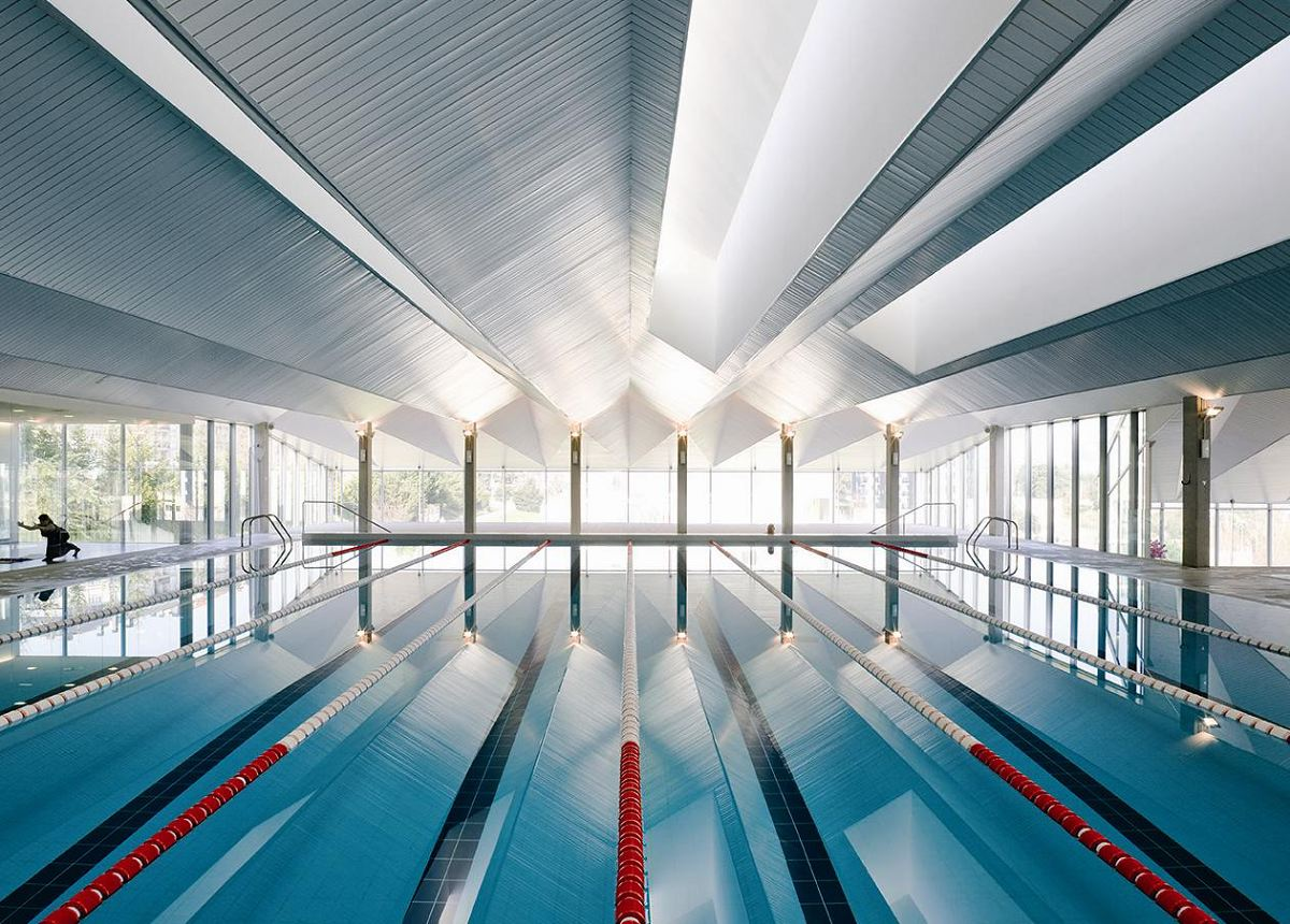 Zwembad in orense es door francisco mangado de architect