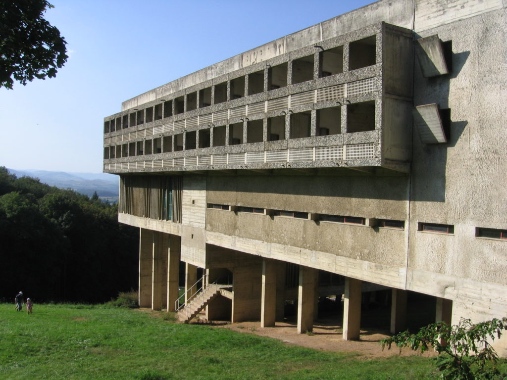 Couvent Sainte-Marie de la Tourette door Le Corbusier