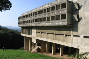 Blog – Bon Voyage: Overnachten in Sainte-Marie de La Tourette door Le Corbusier