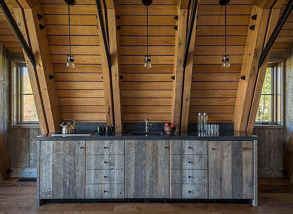Barntecture in Wyoming door Carney Logan Burk