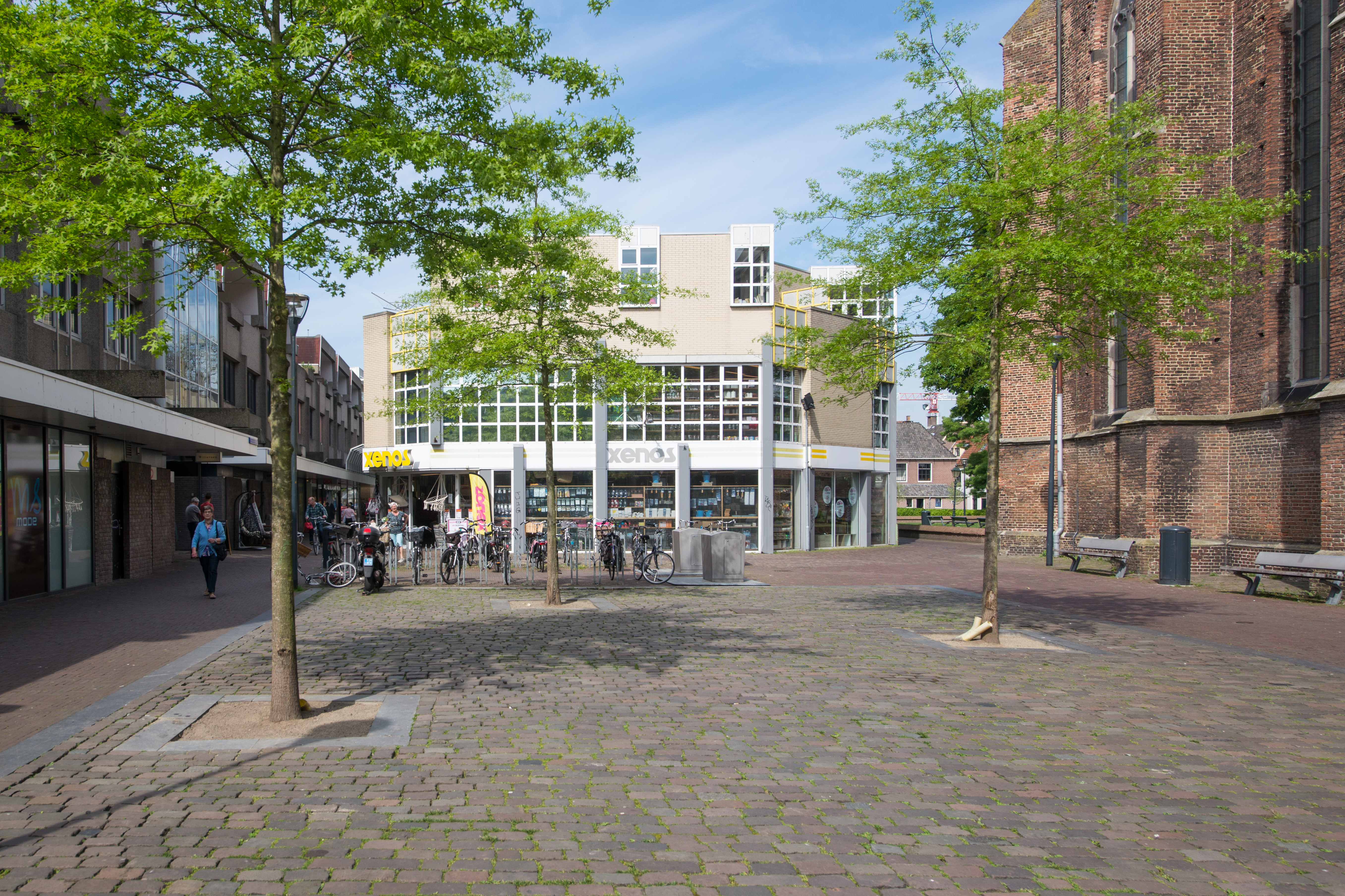 <p>Zwolle – Herontwikkeling Broerenkwartier<br /> Foto: Initiatiefnemers van de herontwikkeling van het Broerenkwartier in Zwolle voor het pand van de Xenos in Zwolle.<br /> © Alex Mulder</p>