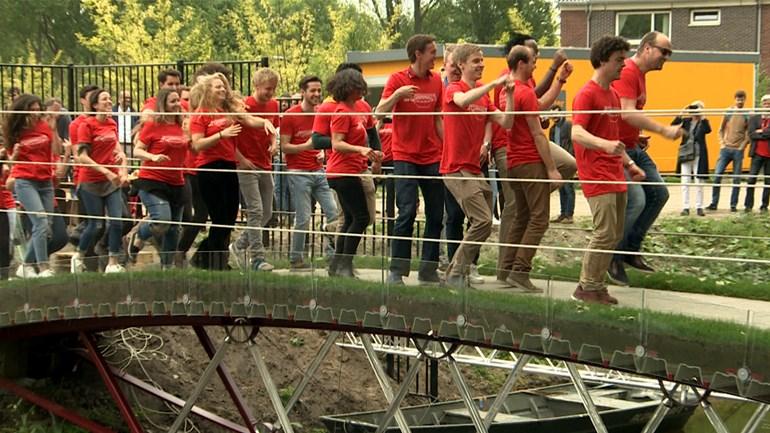 TU Delft test glazen brug