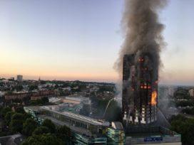 Update: Gevelbekleding mogelijke oorzaak brand Grenfell Tower