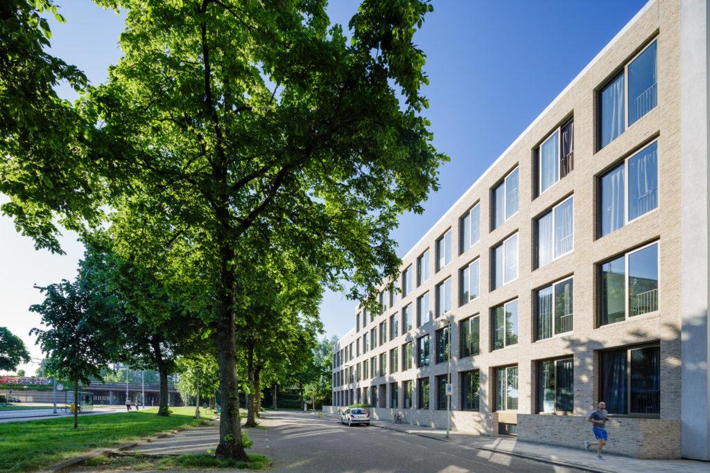 Transformatie kantoor Nijenoord 2-4 door diederendirrix architectuur & stedenbouw (Foto: Bas Gijselhart   BASEPHOTOGRAPHY)