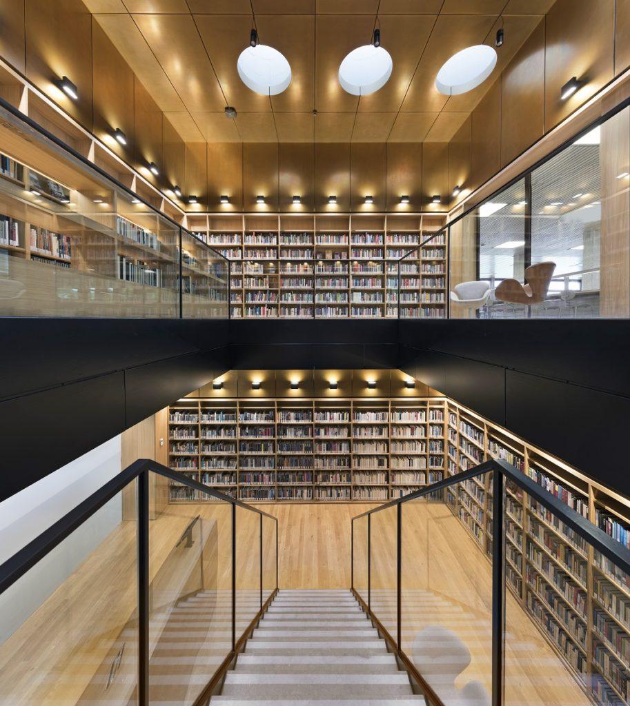Renovatie Bibliotheek Universiteit Rotterdam, dvdp. Fotograaf Roos Aldershoff