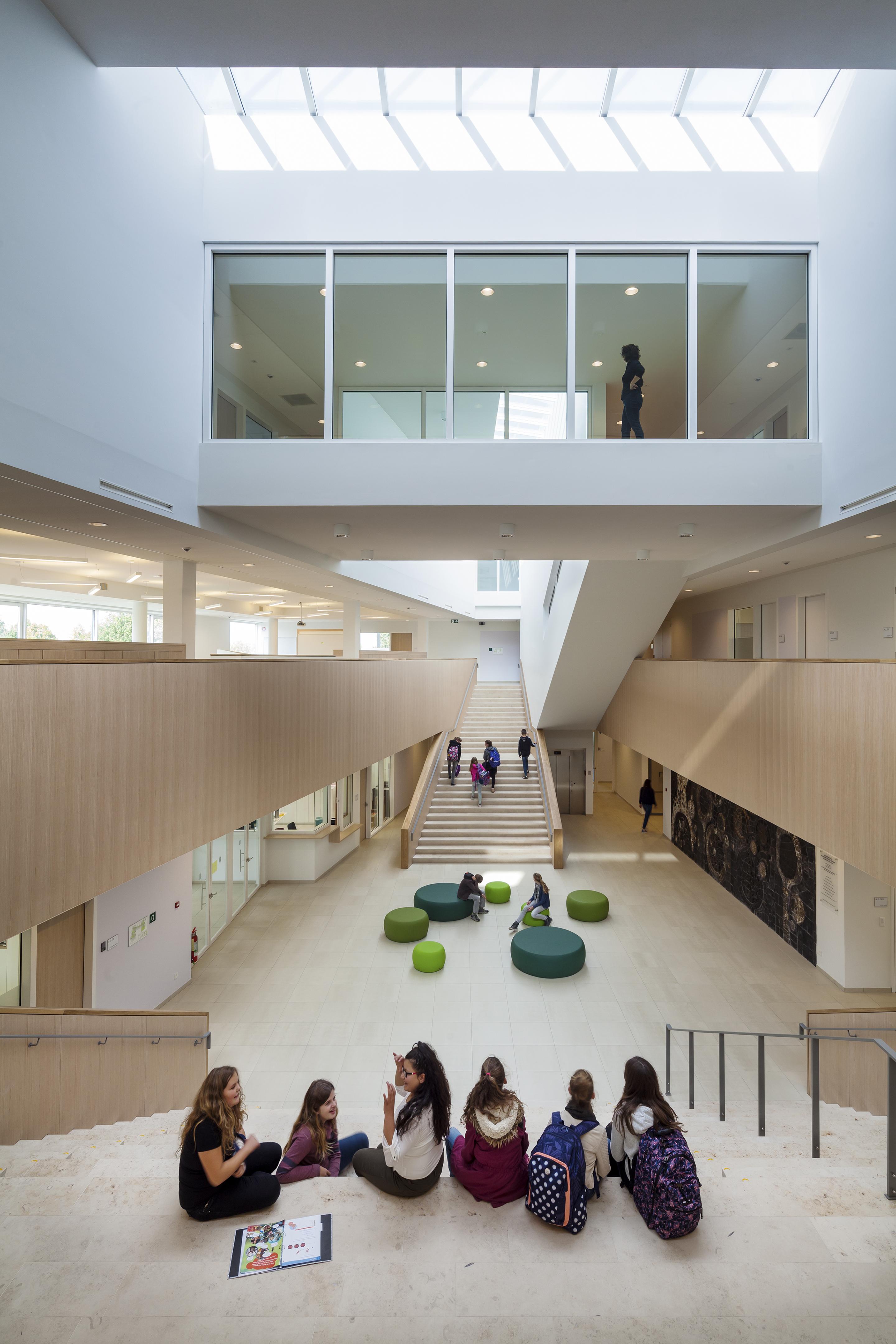 <p>Centrale hal Agnentencollege – foto: Scagliola Brakkee</p>