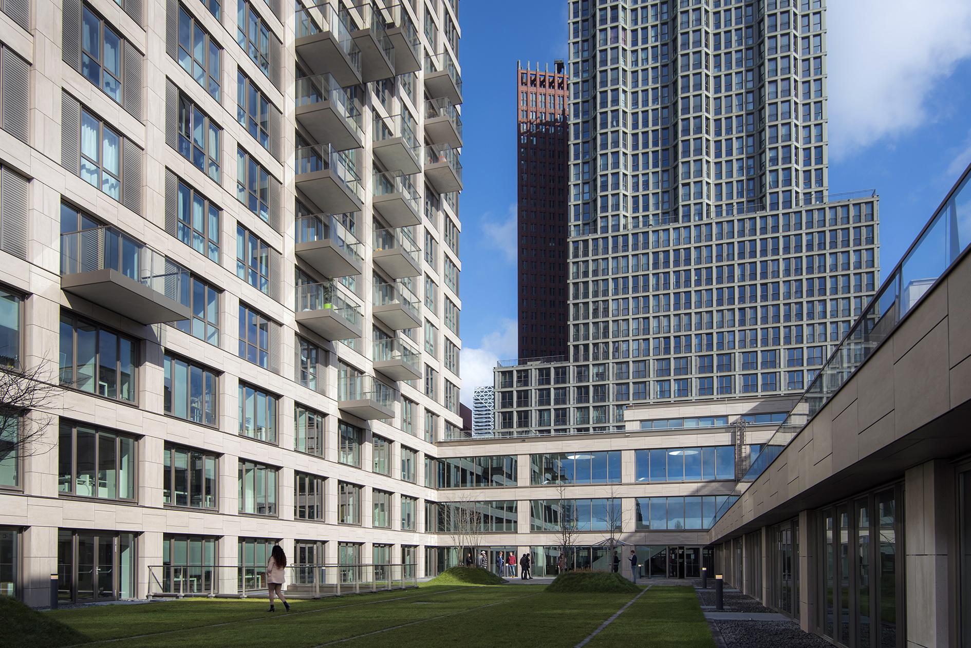 <p>Daktuin Faculteit Campus Den Haag (foto: Peter De Ruig)</p>