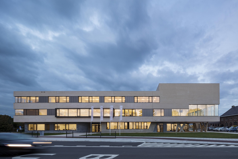 <p>Exterieur Agnetencollege – foto: Scagliola Brakkee</p>