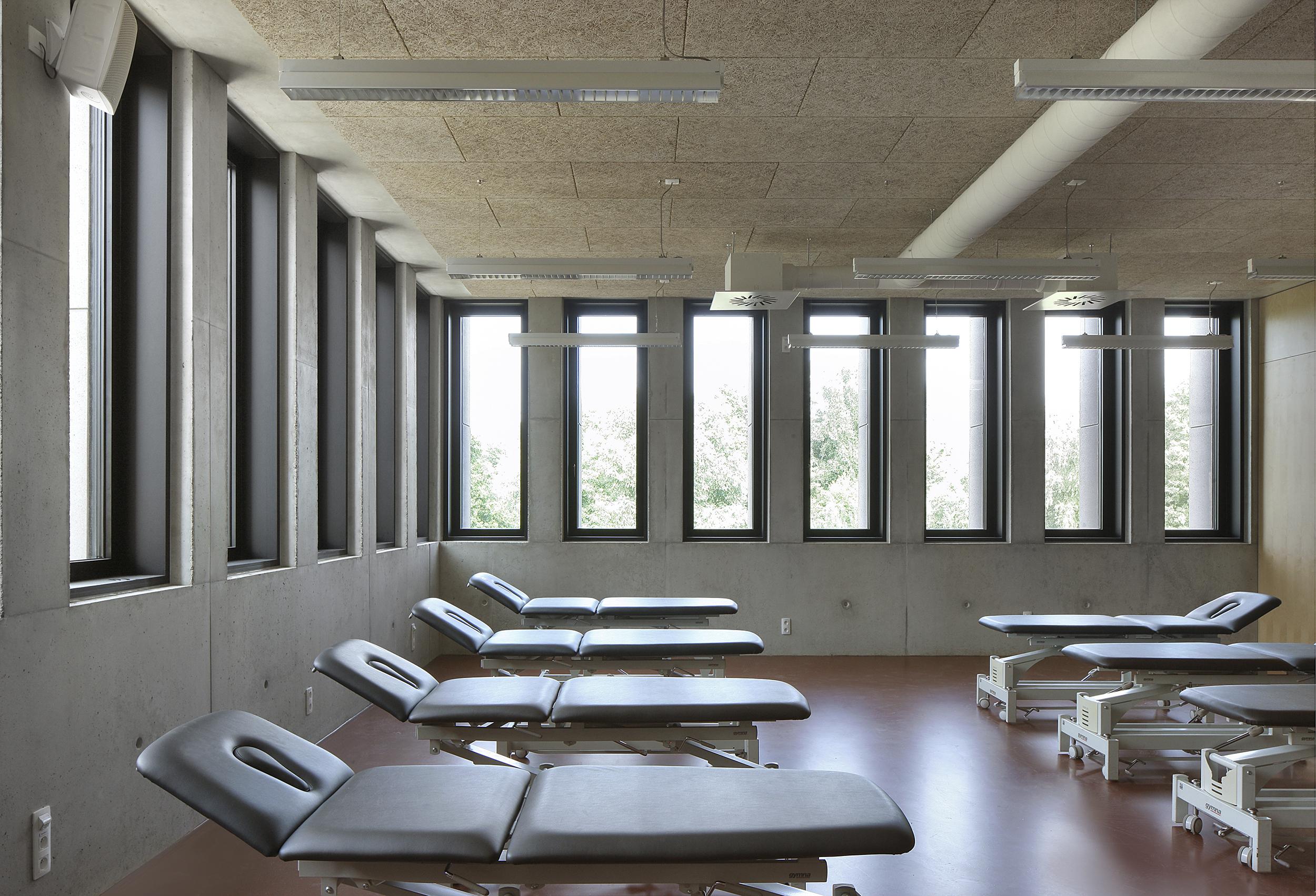 <p>foto gebouw M Universiteit Antwerpen © Filip Dujardin</p>