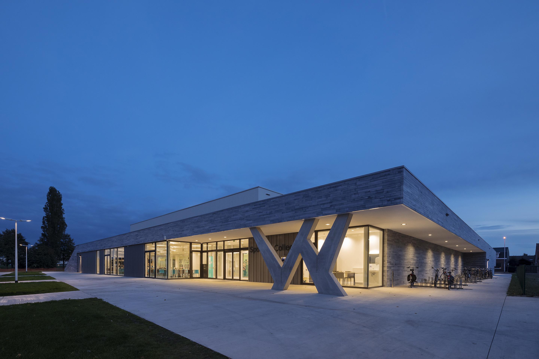 <p>Exterieur Sportcomplex &#8211; foto: Scagliola Brakkee</p>