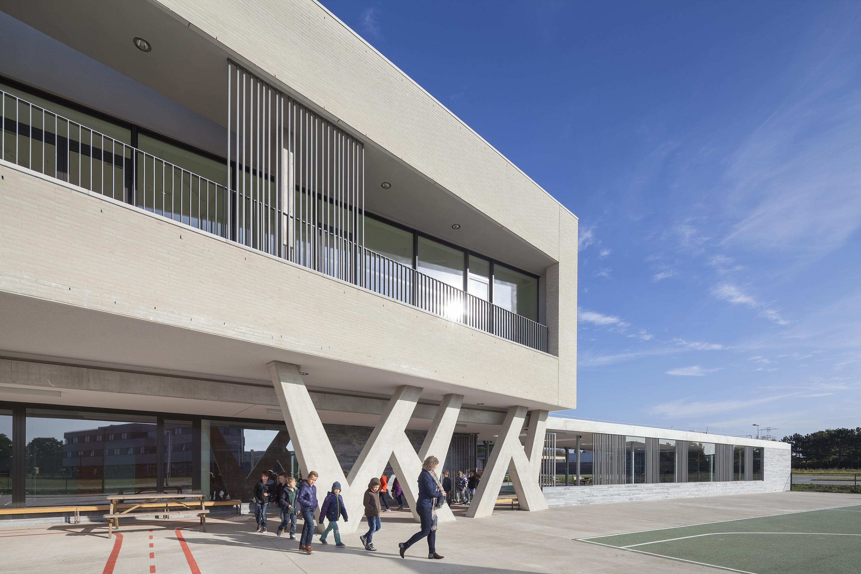 <p>Uitkraging basisschool De mAgneet &#8211; foto: Scagliola Brakkee</p>