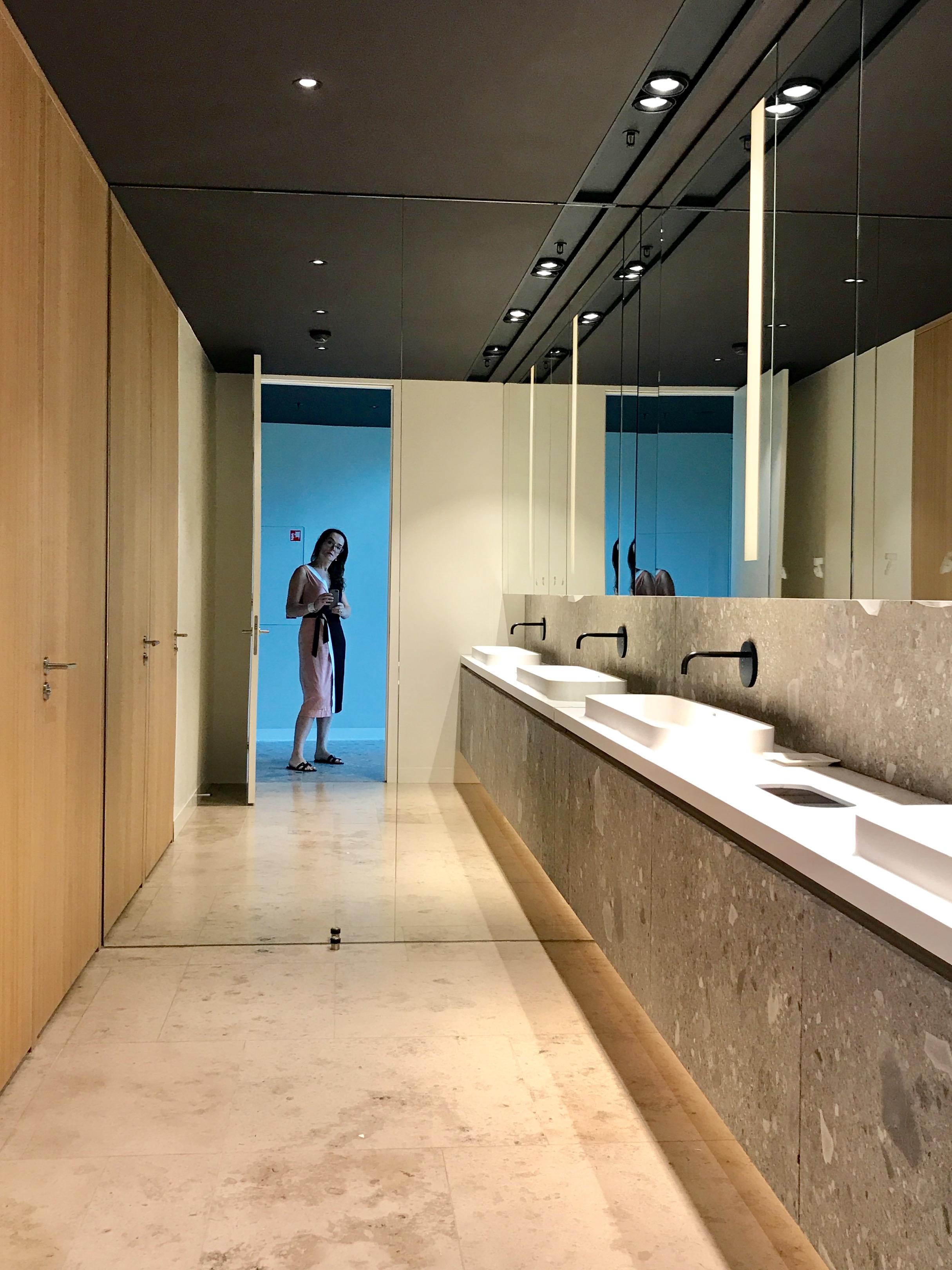 <p>ITO – Toiletgroep met allure van een vijf sterren hotel – Graziosi Progetti</p>