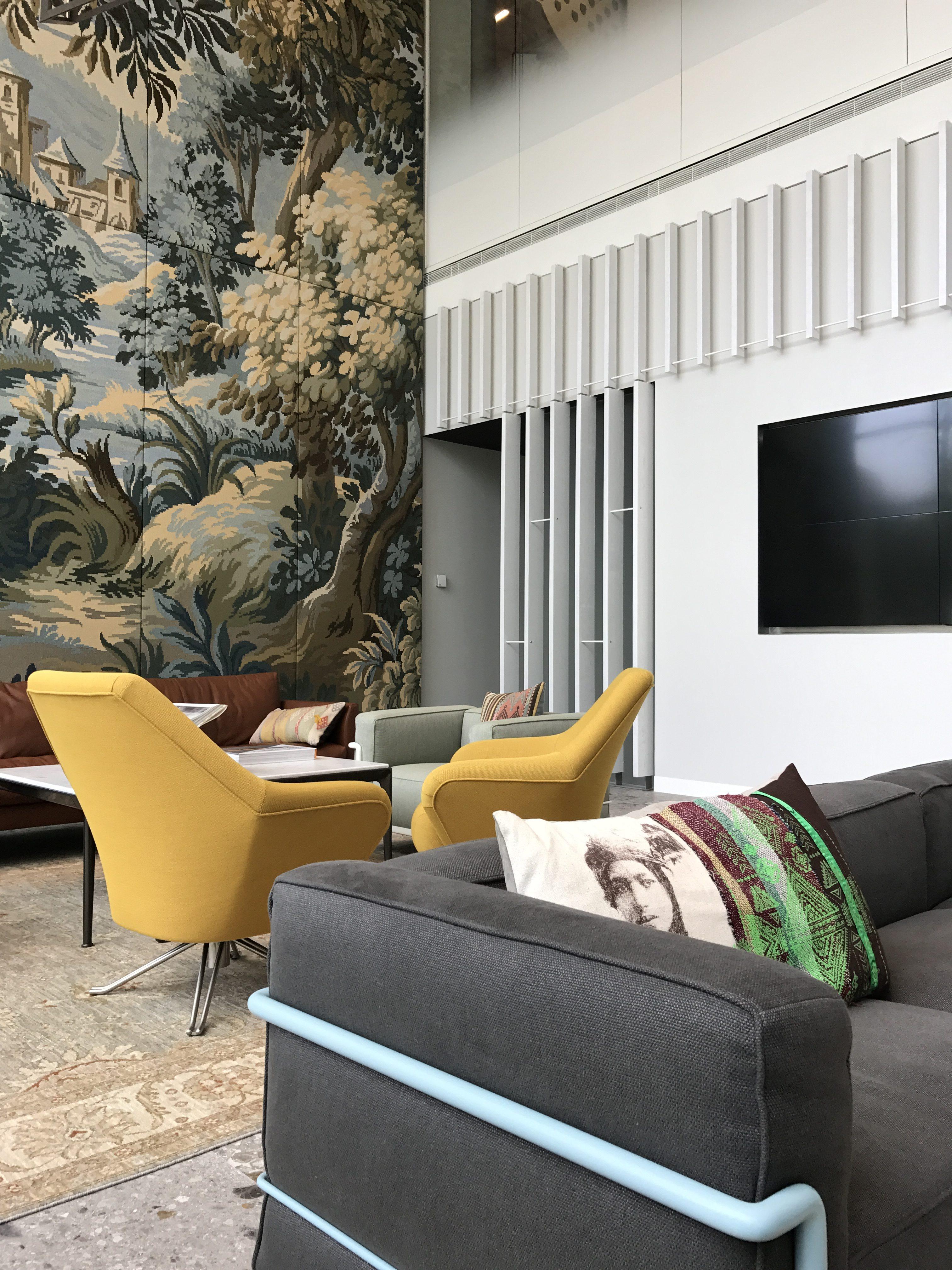 <p>ITO &#8211; Details lounge. Gemoderniseerde gewoven verdure, in kleur gespoten frames, styling. &#8211; Graziosi Progetti </p>