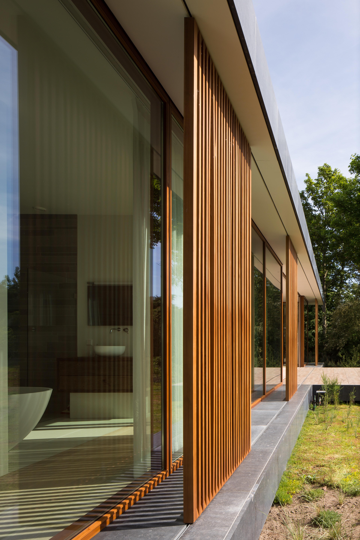 <p>Villa H brise-soleil, foto Christian Richters, Berlijn</p>