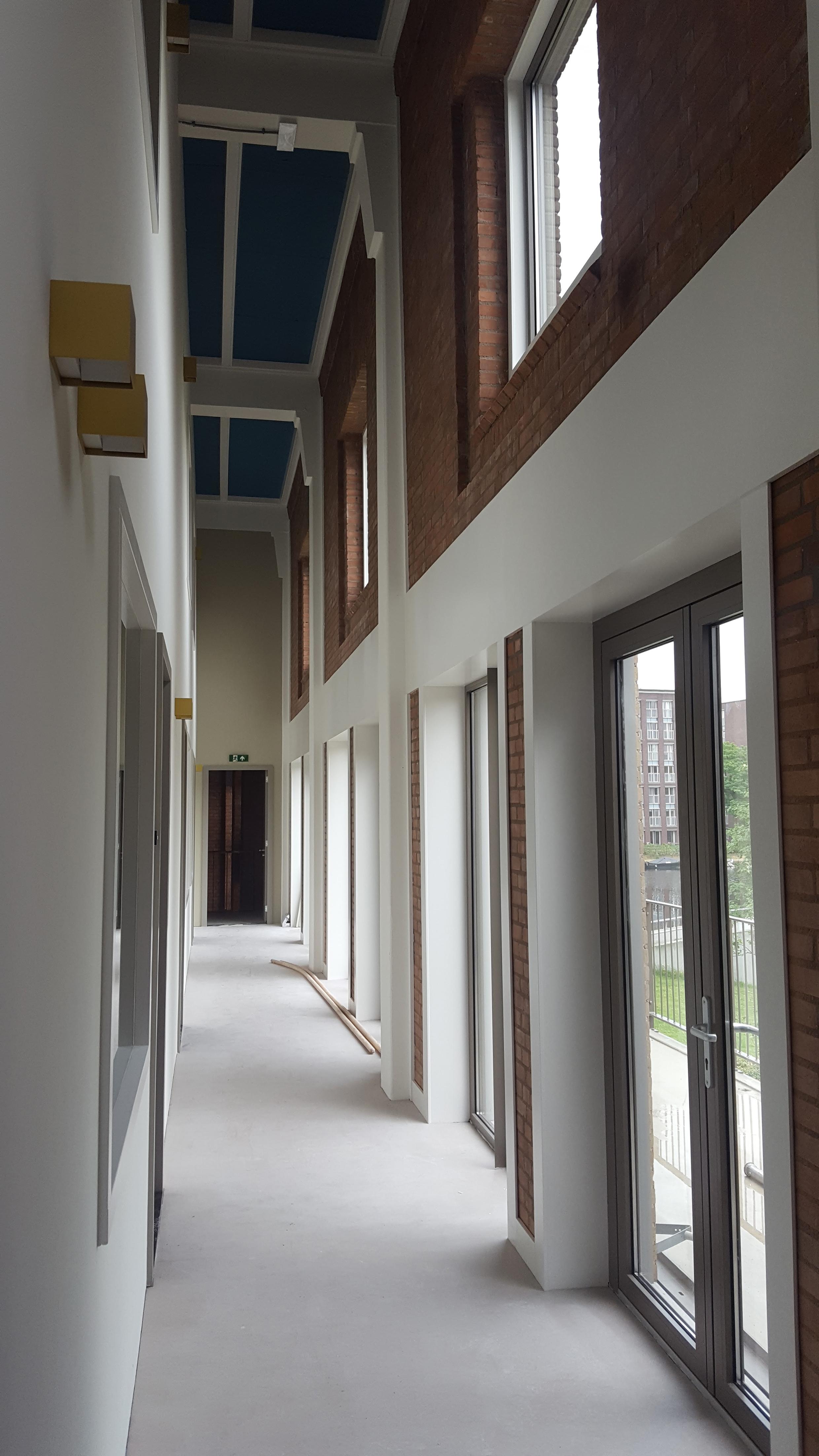 <p>gang en collectief balkon</p>