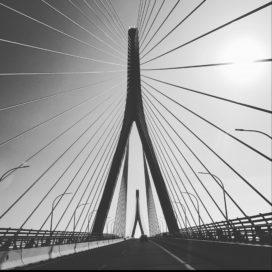 Zomerfoto: Toegangsbrug naar Cádiz