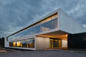 ARC17 Interieur: Kreon, Kruisbestuiving tussen verlichting en architectuur – CONIX RDBM Architects