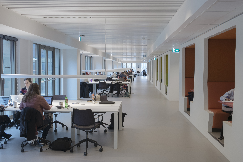ARC17 Interieur: Campus Den Haag Universiteit Leiden – Studio Leon ...