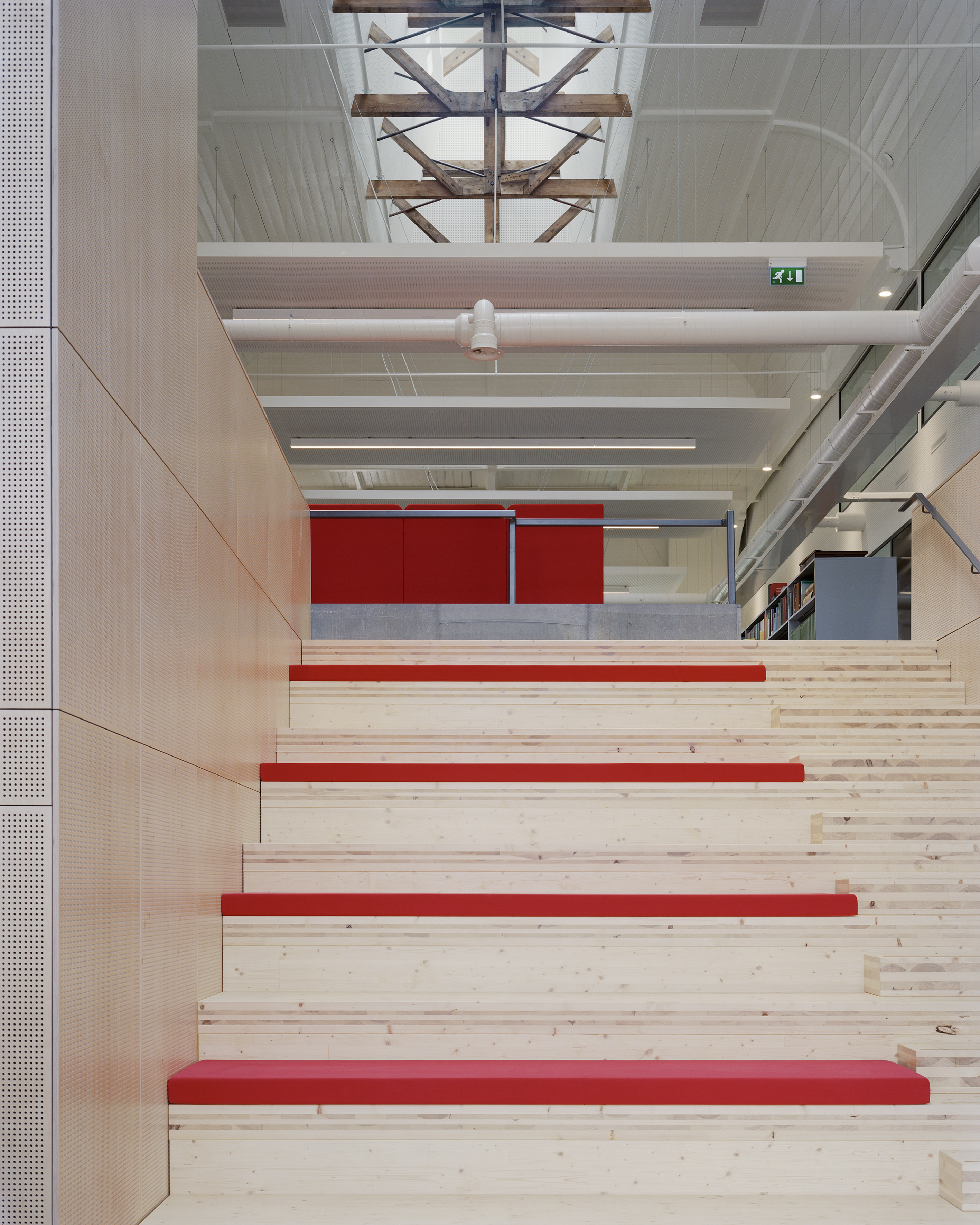 <p>Fryske Akademy Leeuwarden, JJA, Foto Kim Zwarts, Noorderkerk interieur</p>