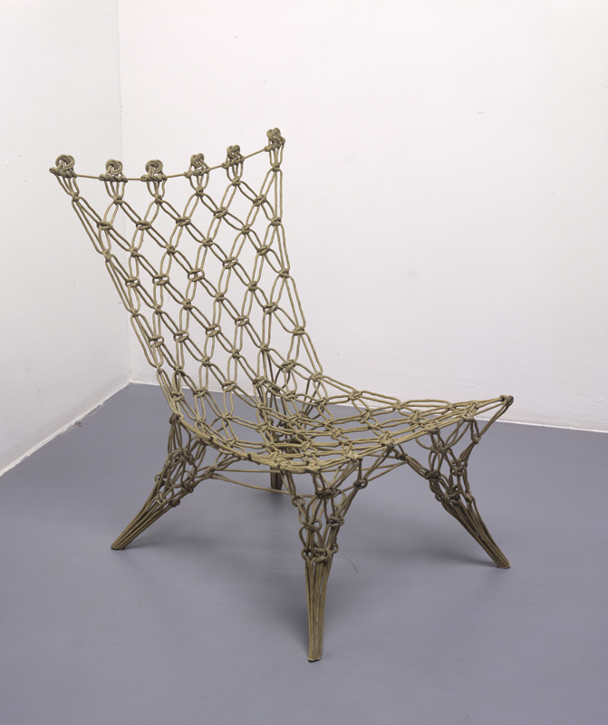 Marcel Wander geknoopte stoel. Foto: CMU/Hans Wilschut