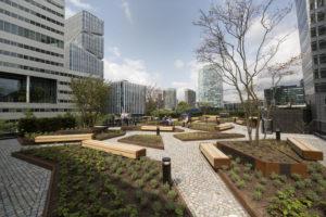 Donkergroen wint ELCA Trend Award voor tuinen Circl