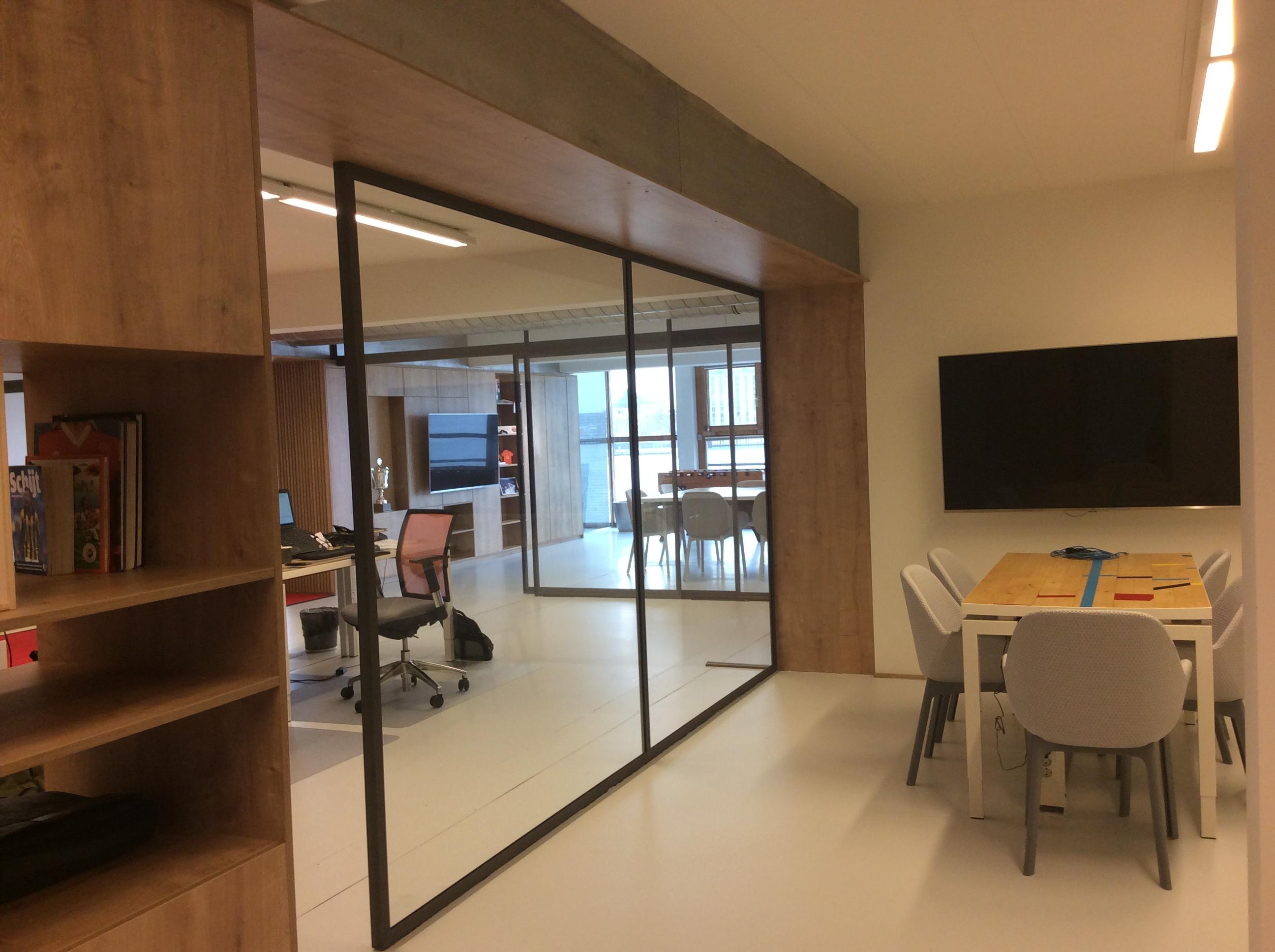 <p>overlegkamer( foto PS architecten bna)</p>