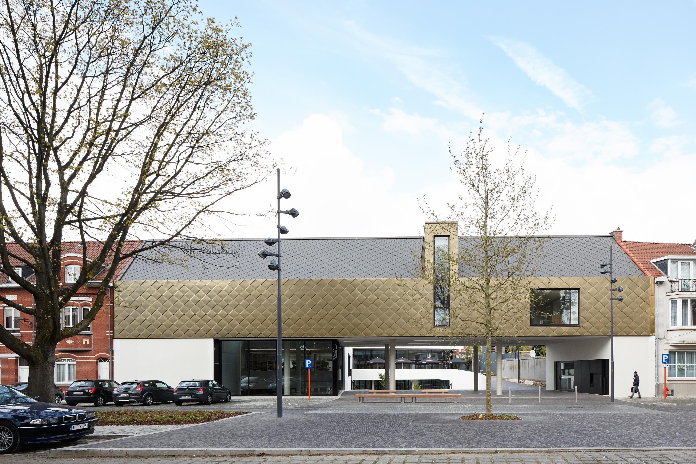 <p>CC Zaventem-voorzijde-ebtca-archiles architecten</p>