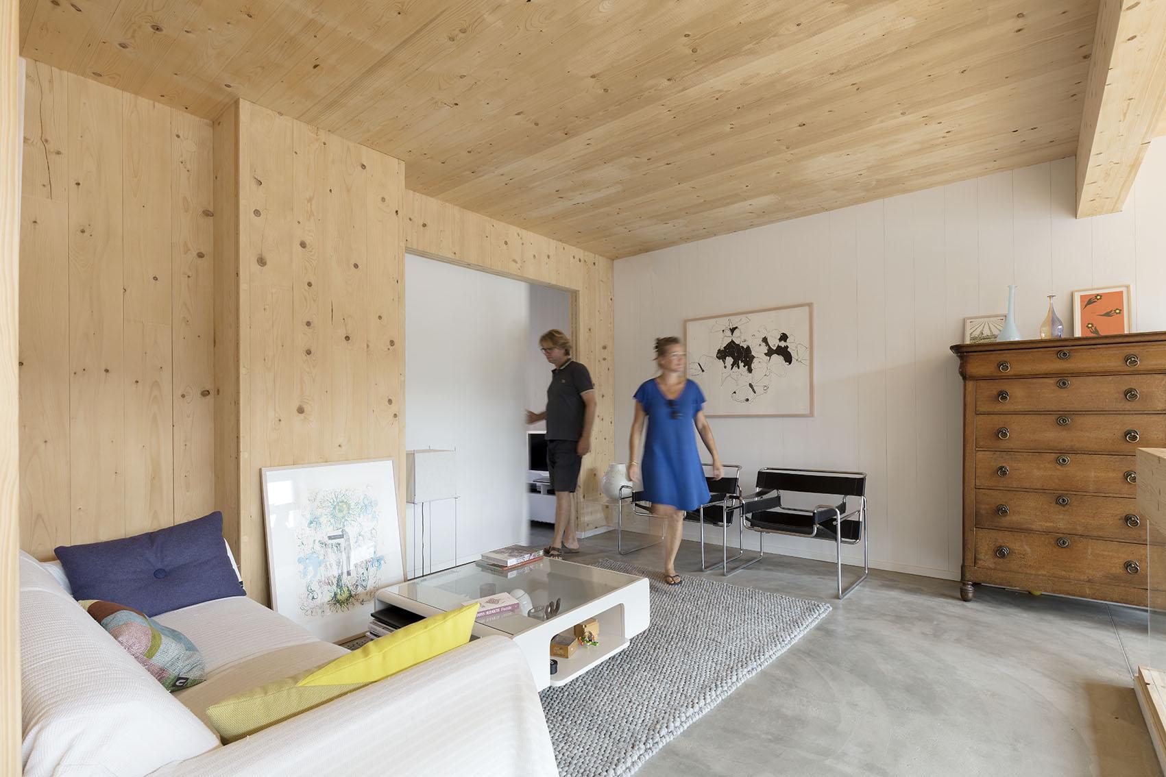 <p>Kavel 17 – woonkamer op 1e verdieping    foto: Marcel van der Burg</p>