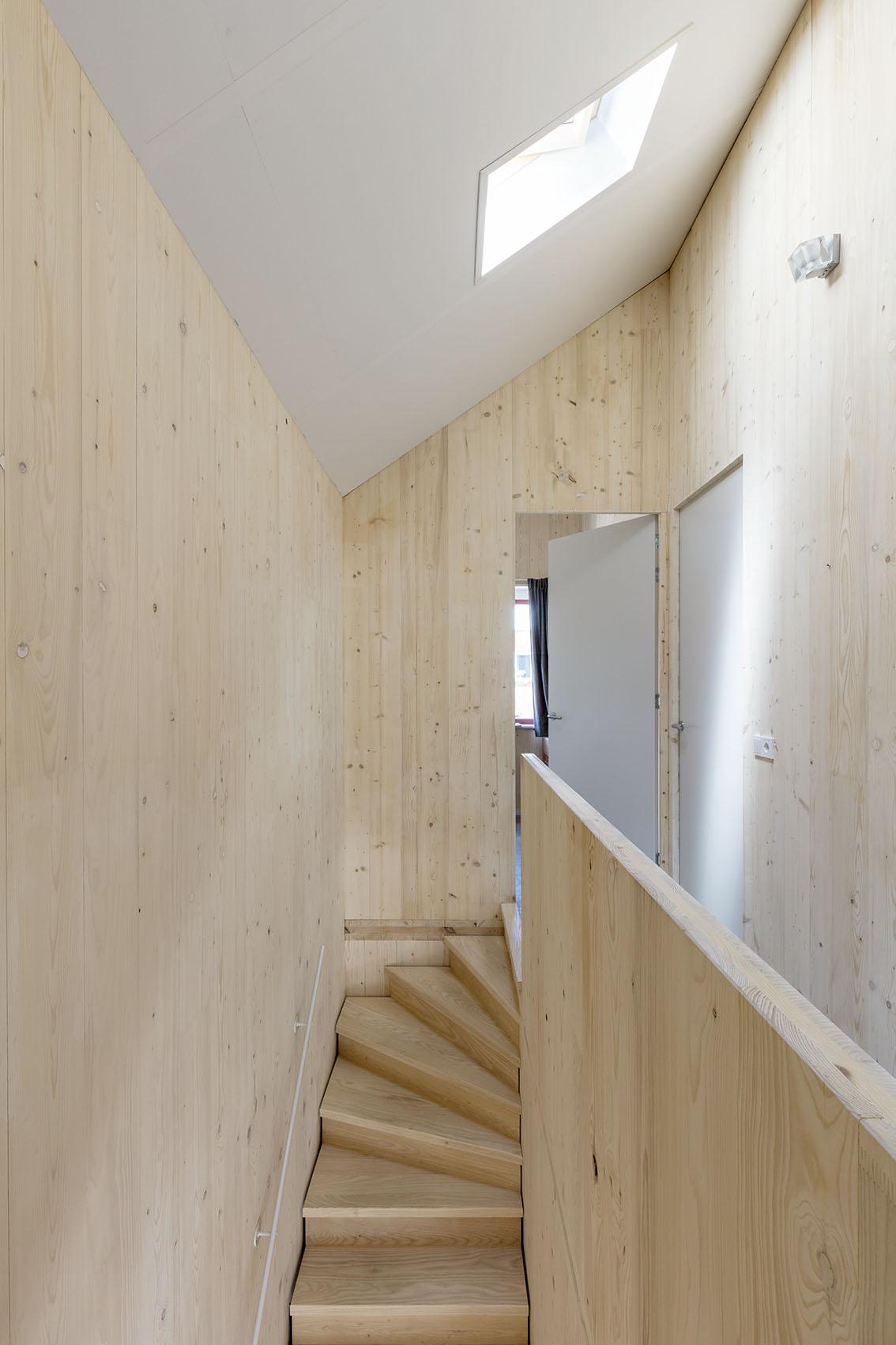 <p>Kavel 19 – overloop op 2e verdieping  foto: Marcel van der Burg</p>