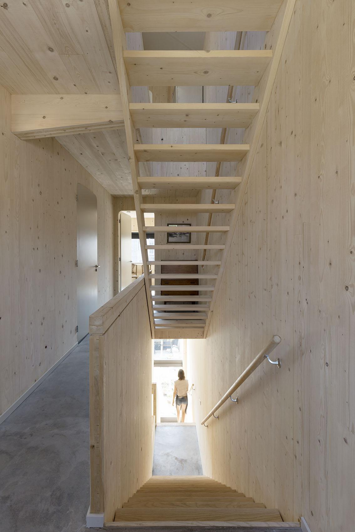 <p>Kavel 8 – trappenhuis  foto: Marcel van der Burg</p>