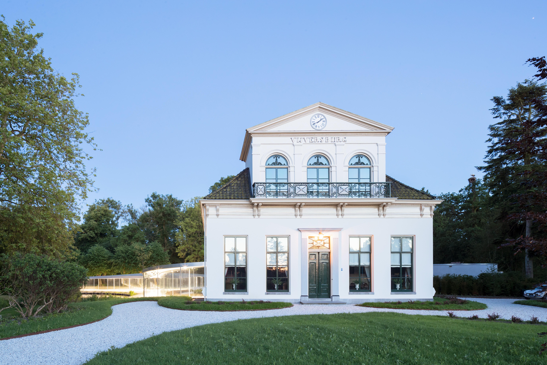 <p>Ook het monumentale landhuis, de oorspronkelijke familiewoning, werd gerenoveerd  (Foto © Iwan Baan)</p>