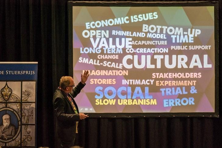 Uitleg van Thom Aussems over transformaties en de kansen voor industrieel erfgoed.