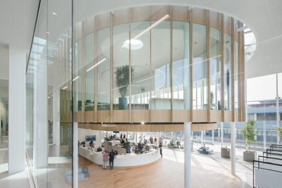 Interieur Verdilaan, publieks en bestuurscentrum. Foto Lucas van der Wee