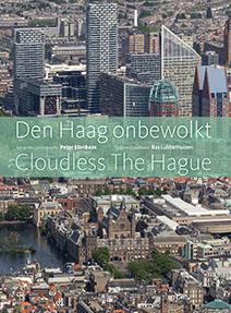 Onbewolkt Den Haag. Fotografie Peter Elenbaas