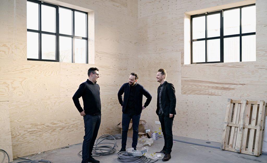 Drie nieuwe partners voor karres+brands (van links naar rechts: David Kloet, Darius Reznek en Jasper Nijveldt)