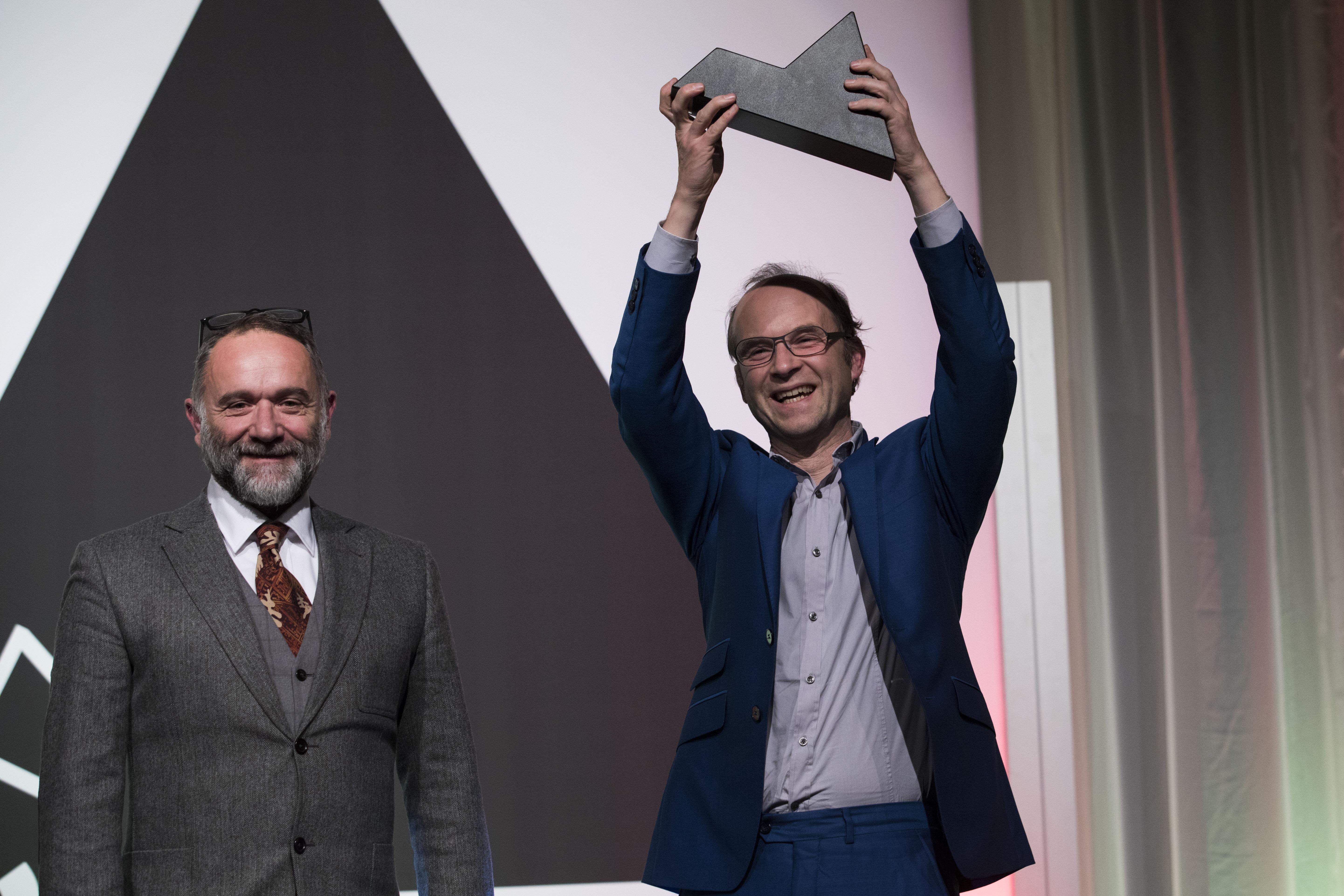 <p>Links juryvoorzitter van de ARC17 Innovatie Award: Francesco Messori en rechts Jan Jongert van Superuse Studio. Foto Elvins Fotografie</p>