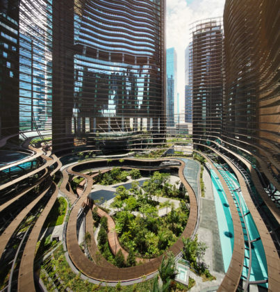 Marina One in Singapore door Ingenhoven Architects. Foto Darren Soh