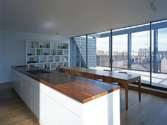Black-House_Simon-Conder-Associates