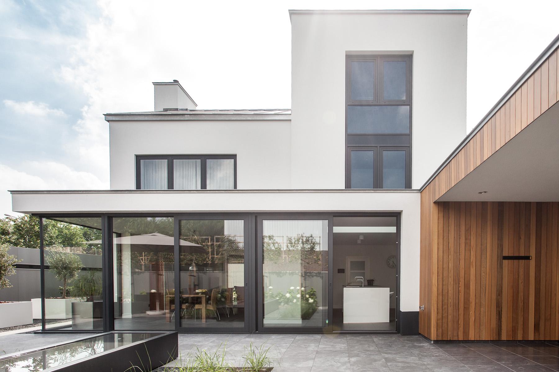 <p>NIEUW &#8211; Jaren 70 woning wordt moderne villa, fotografie: Bob Romijnders</p>