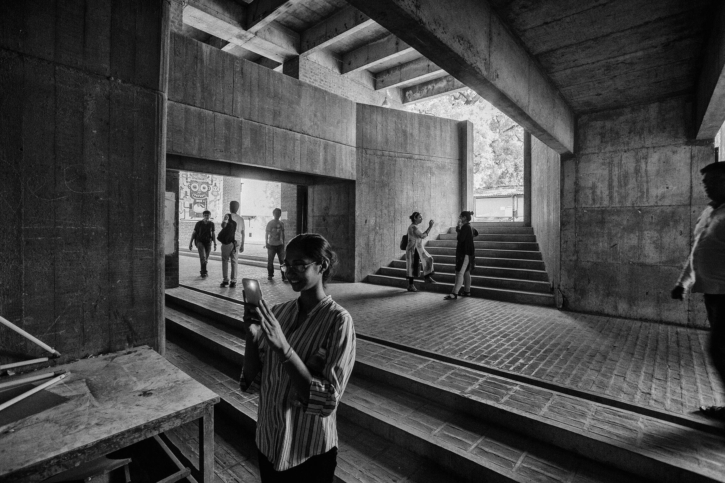 <p>Centre for Environmental Planning and Technology (1966–2012) in Ahmedabad door Balkrishna Doshi, winnaar Pritzker Prize 2018, beeld VSF</p>