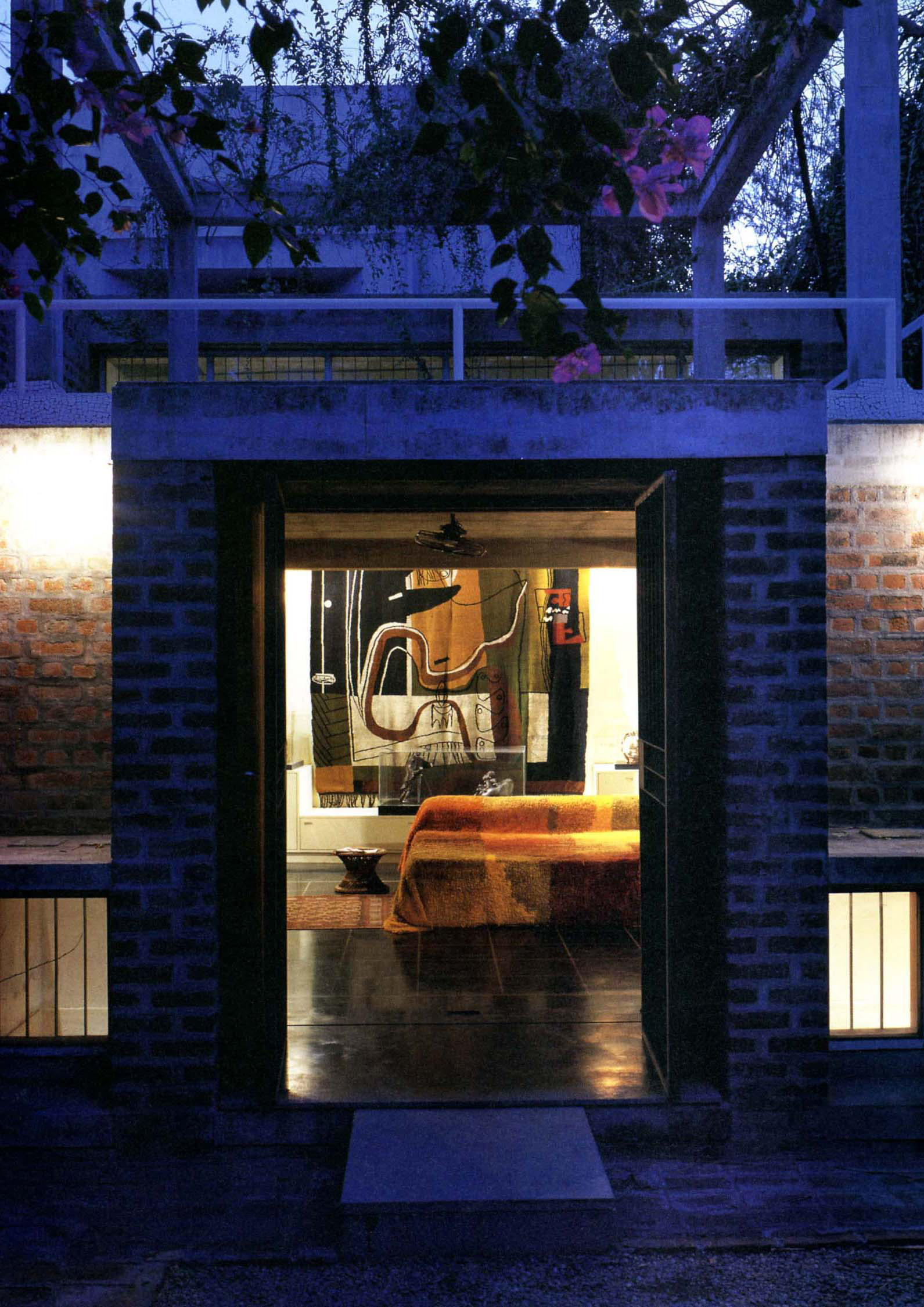 <p>Kamala House (1963) in Ahmedabad door Balkrishna Doshi, winnaar Pritzker Prize 2018, beeld VSF</p>