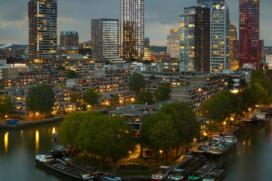 Driehoekige woontoren aan Wijnhaven Rotterdam