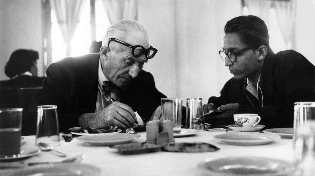 Le Corbusier en Balkrishna Doshi, beeld VSF