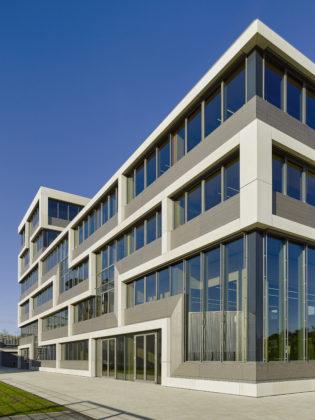 DAW Hauptverwaltung in Ober Ramstadt von Brückner & Brückner Architekten Tirschenreuth Beeld Constantin Meyer