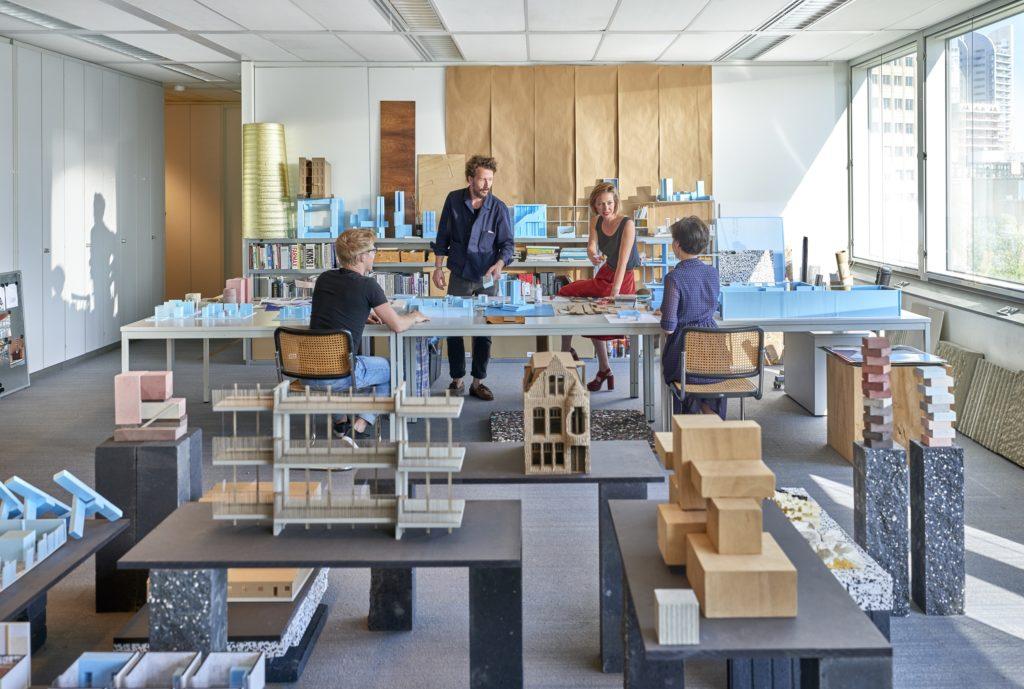 Studio IWT is gehuisvest in de voormalige Robecotoren in Rotterdam, beeld Pim Top